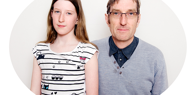 Lee GRANT, Like father, like daughter (Clare and Martyn Jolly) 2012–13, from the series Colour portraits, pigment ink-jet print, 100.0 x 120.0 cm, courtesy of the artist.