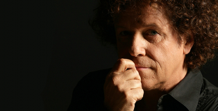 Leo Sayer photo by Kristian Dowling