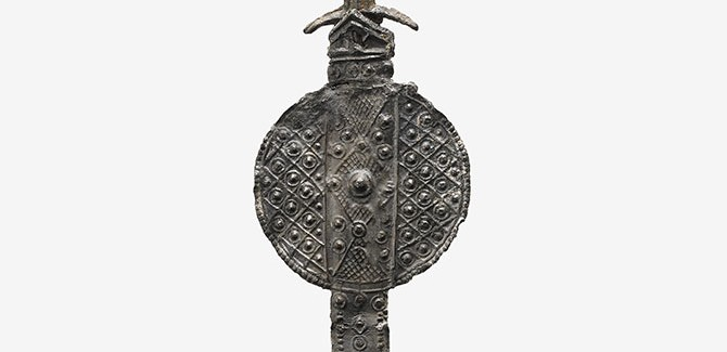 England (Canterbury), (Souvenirs associated with St. Thomas à Becket), Pilgrim badge of a sword (1350-1450), lead alloy, 12.4 x 3.5 cm.